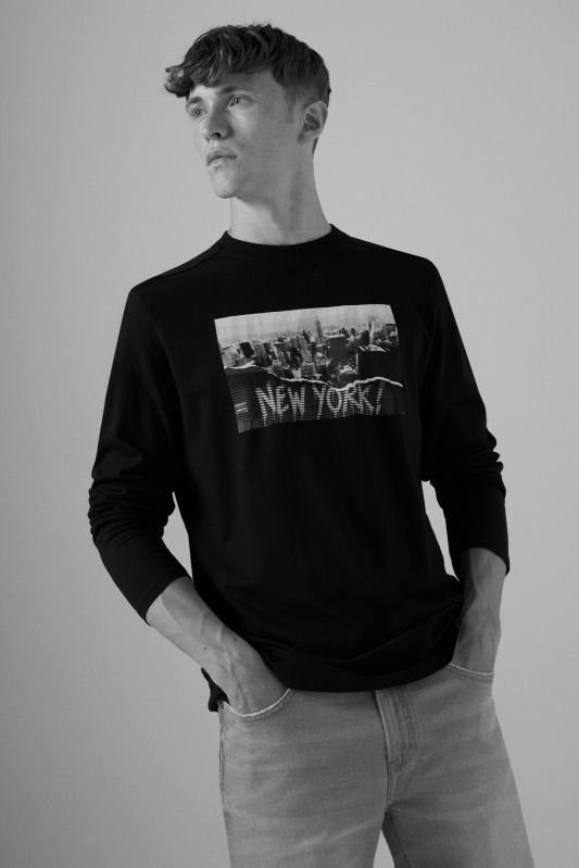 Long-sleeved urban T-shirt