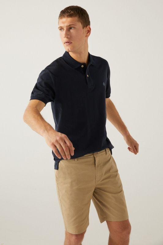 Elastic Chino-style Bermuda shorts