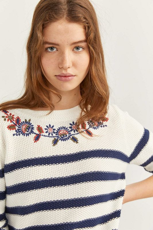 FLORAL COLLAR JUMPER