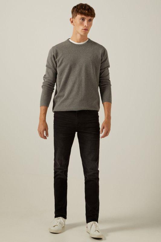Black wash slim fit jeans