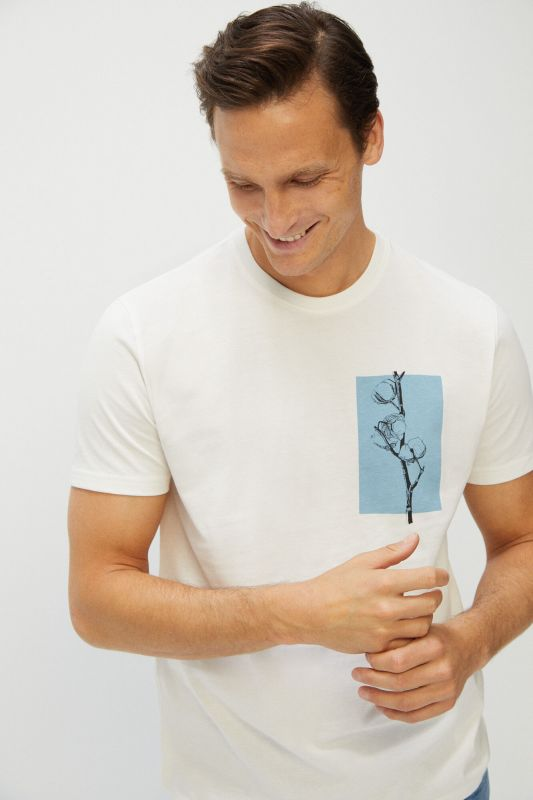 Short-sleeved graphic T-shirt