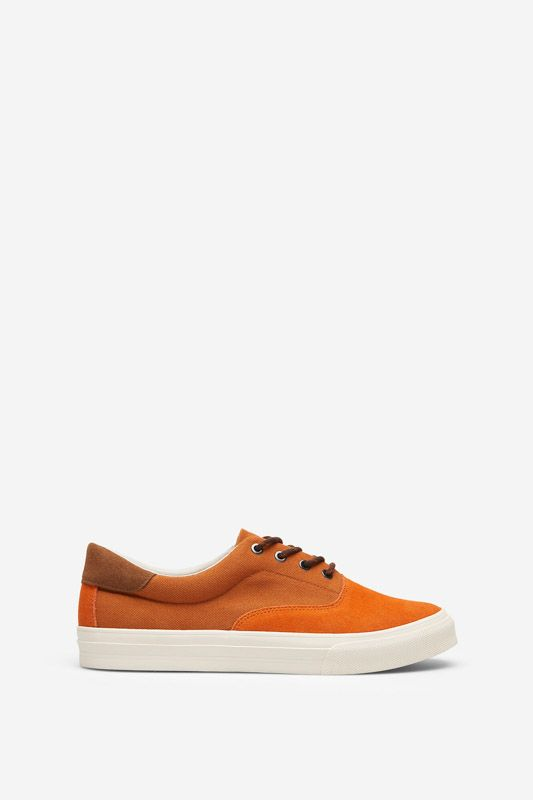 TWO-TONE SNEAKER IN SPLIT LEATHER AND FABRIC