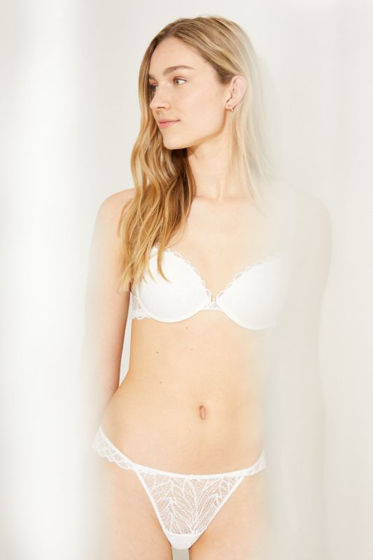 GORGEOUS White lace detail push-up bra