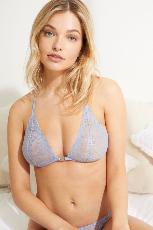 NATURAL Blue lace and triangle bra