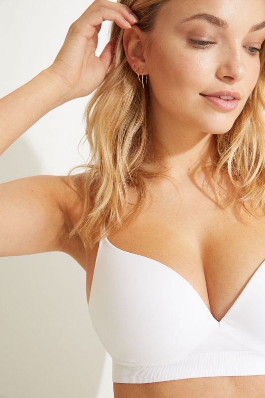 GORGEOUS White seamless push-up bra