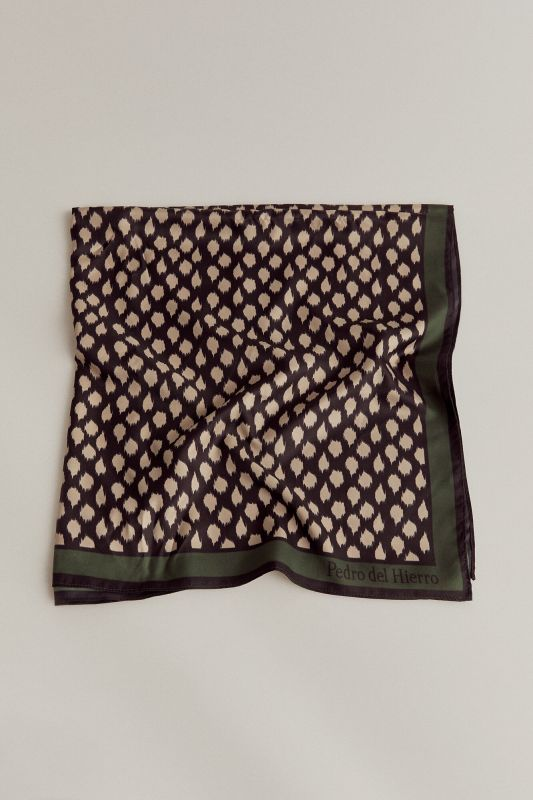 Irregular spotty print shawl