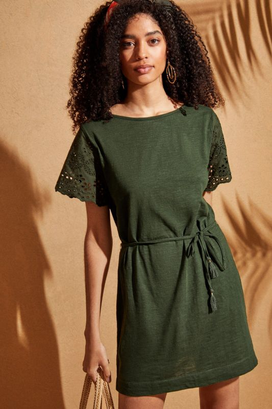 Short-sleeved embroidered tunic with belt