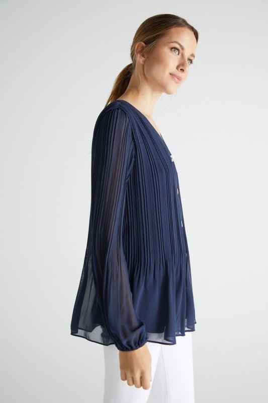 Pleated comfort shirt