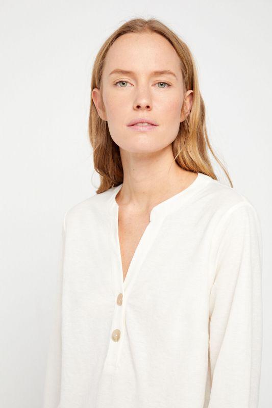 Long-sleeved comfort blouse
