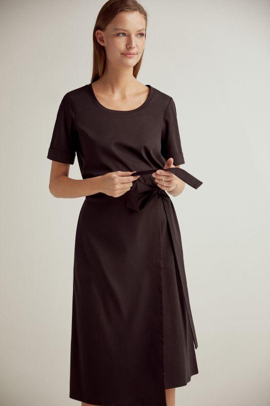 Short-sleeved midi dress