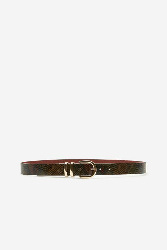 Belt with metal loops
