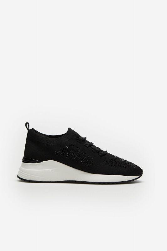 Ultra-light lace-up sneaker