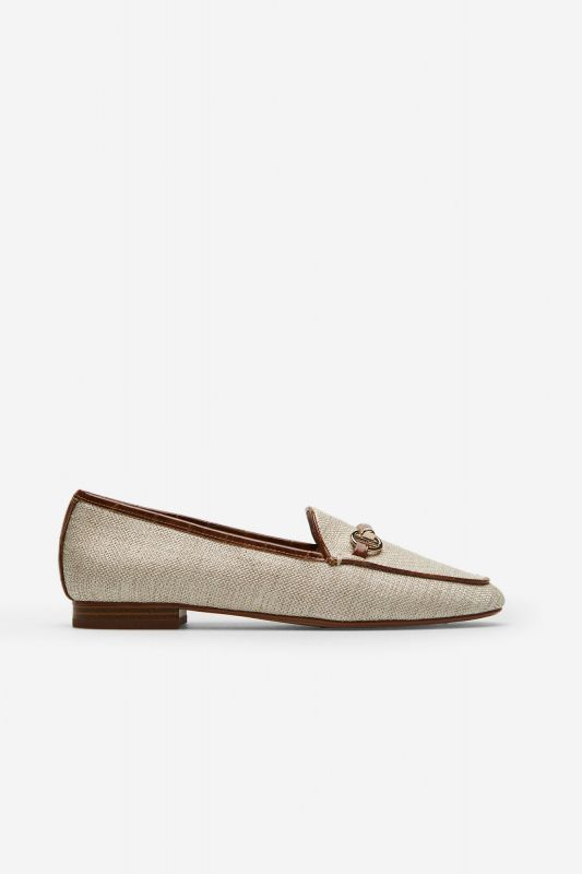 Soft loafer with bow