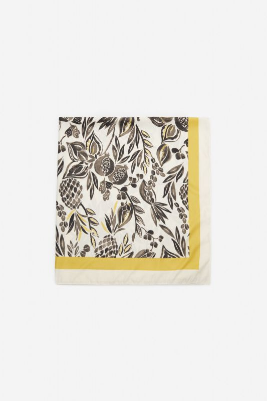 Silky scarf with fruit print