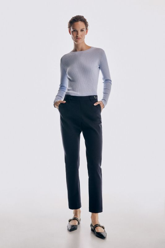 Slim trousers with buttons