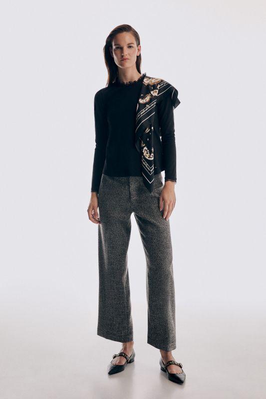 Lace collar long sleeve T-shirt