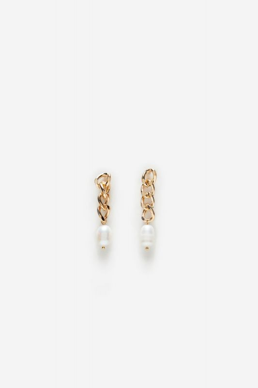 Chain earrings with pearl