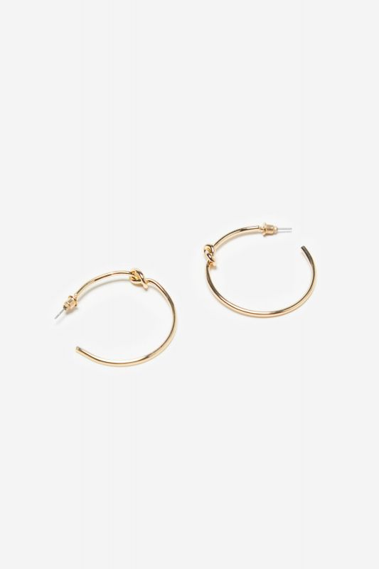 Hoops with knot