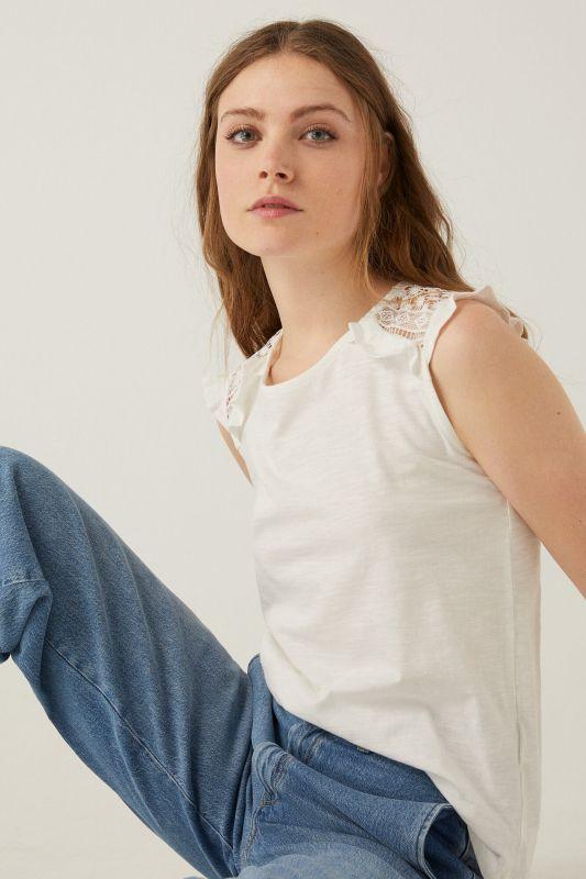 Crochet shoulders t-shirt