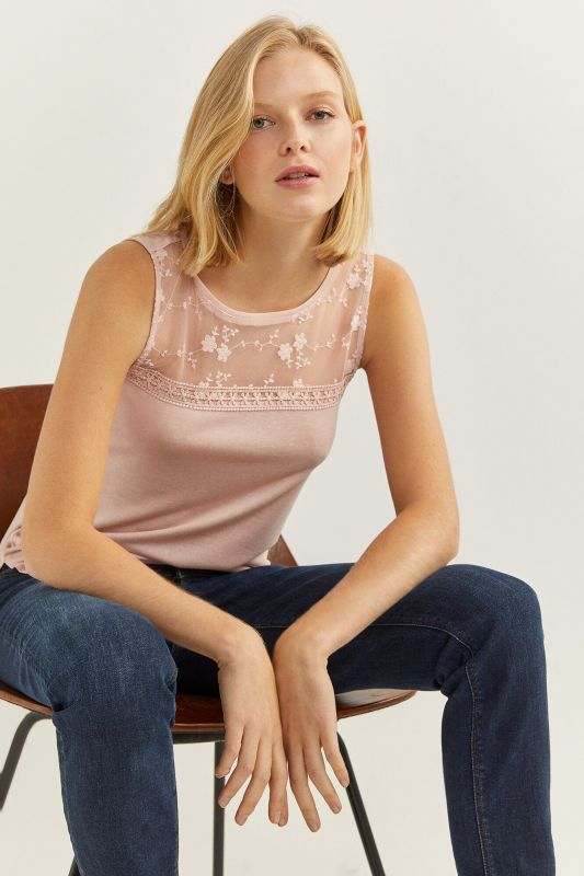 Sheer lace neckline t-shirt
