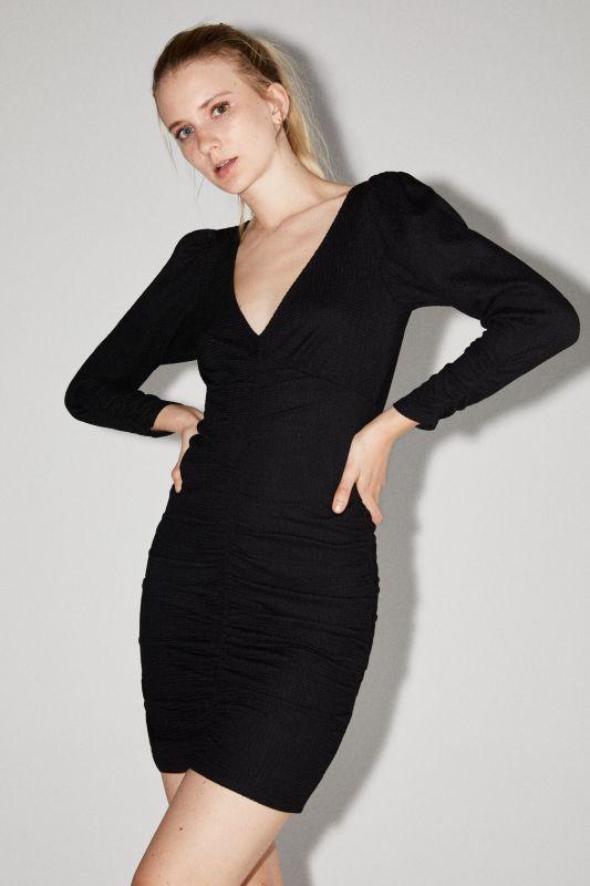 Voluminous sleeve tube dress