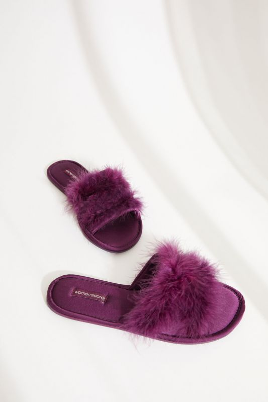 Pink satin slider slippers with feathers